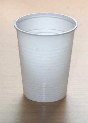 Laborbecher / Mundspülbecher (100 Stück) weiß, 200 ml, aus Polystyrol, stapelbar