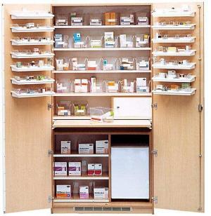 Aufbewahrungs- und Medikamentenschrank mit 2 Türen, weiß, 205 x 100 x 50 cm, Vollausstattung