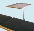 Instrumententisch aus CrNi-Stahl, Abmessungen 600 x 400 mm, seitliche Aufkantung 15 mm, Hand-OP Tisch